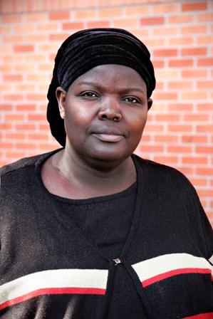 Leonora portrait 1, mall web